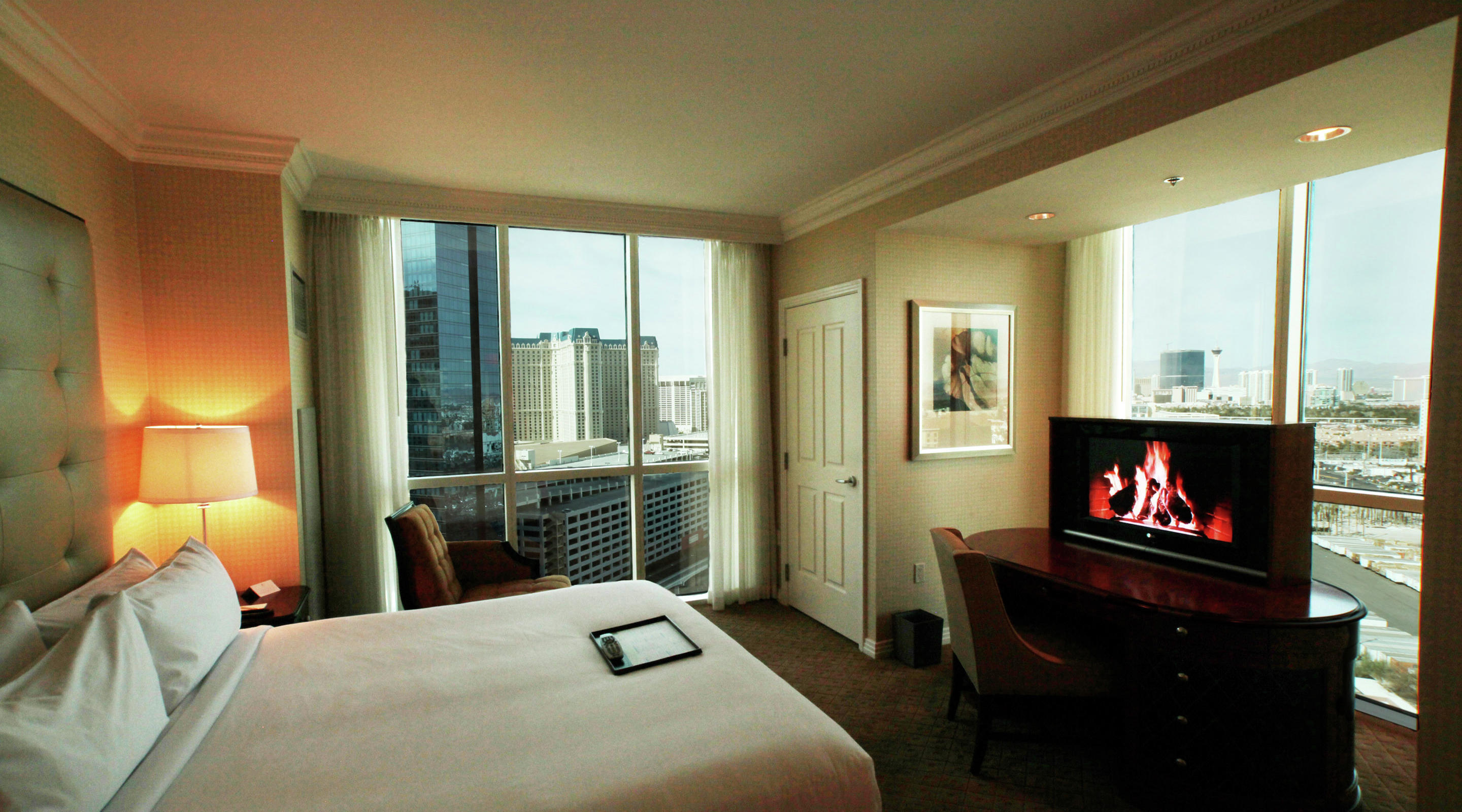 One bedroom balcony suite the signature at mgm grand - Mgm grand las vegas suites with 2 bedrooms ...